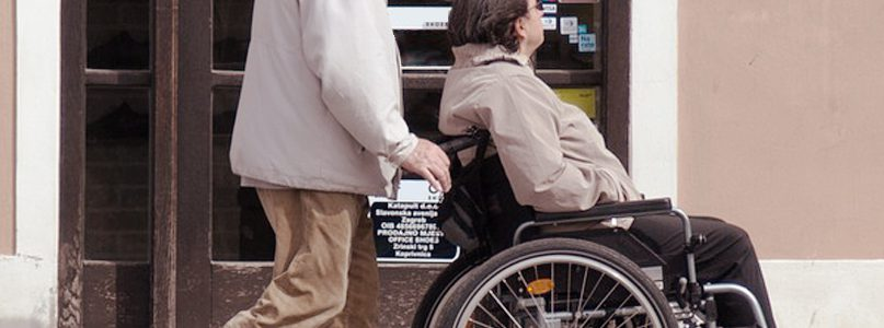 """Zapraszamy na bezpłatne szkolenie """"Profilaktyka urazów wśród osób powyżej 60-go roku życia"""""""