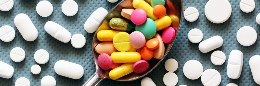 Rozdawnictwo leków – Primum non nocere (Pierwsze – nie zaszkodzić)